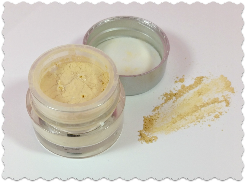 IQ Natural Cosmetics Concealer review by WhippedGreenGirl.com (concealer)