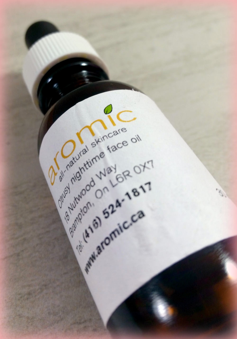Aromic Skincare Review - Citrusy Nighttime Face Oil (by WhippedGreenGirl.com) #Organic #AllNatural #Handmade #Skincare