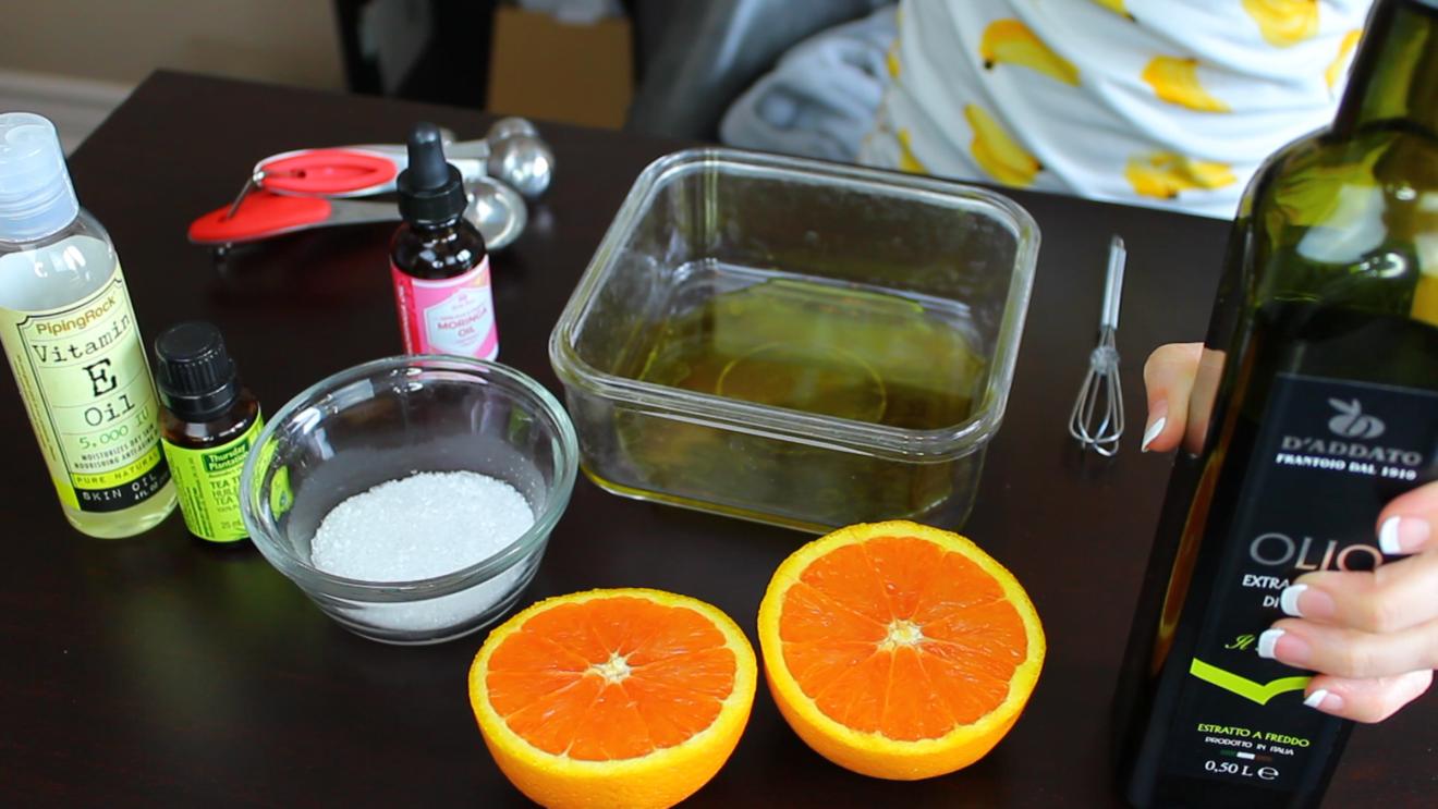 DIY Nail Growing Oil Recipe (by WhippedGreenGirl.com) #DIY #DIYSkincare #NailSerum #Nails #NailRecipe #NailGrowingSerum #GreenBeauty